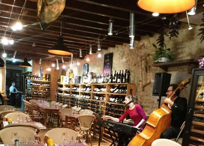 image de Chai et Rasade : Bar et cave à vins, tapas, glacier, épicerie fine et alcools